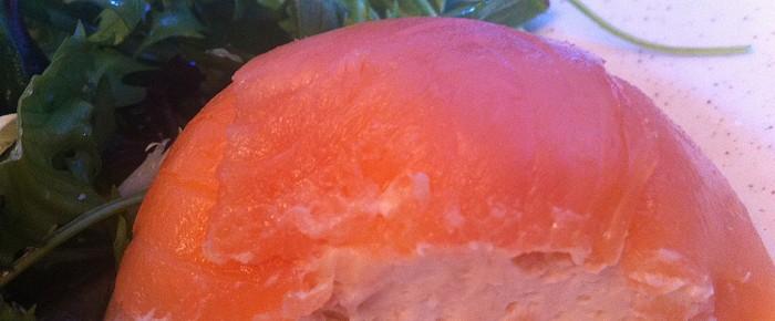 Dôme de saumon fumé avec sa mousse rose