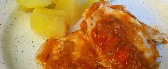 Blanc de poulet à la sauce tomate
